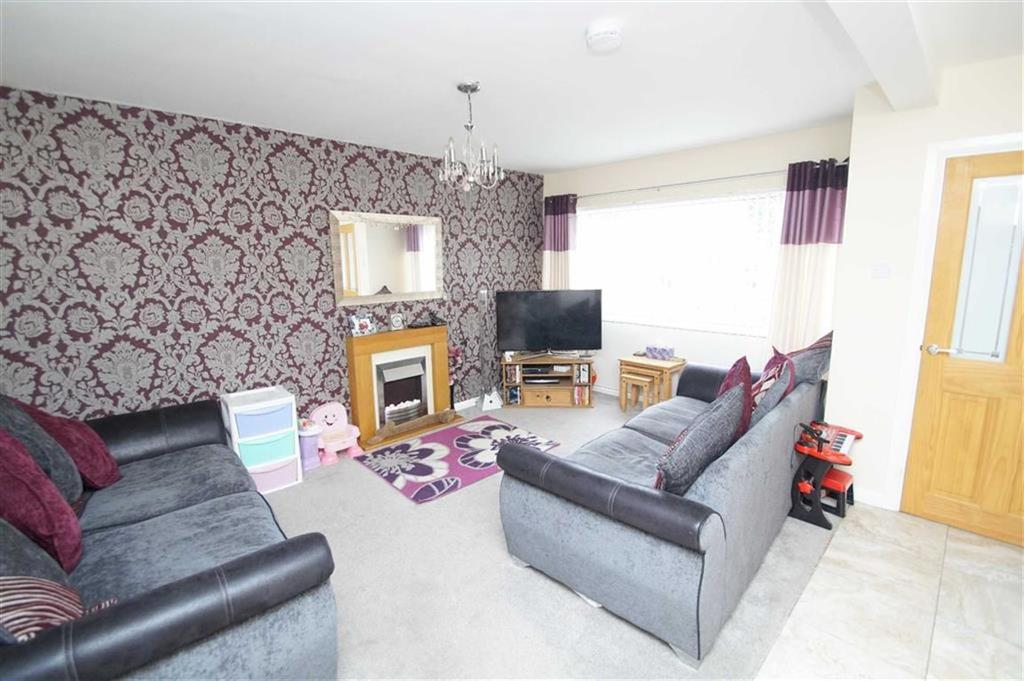 3 Bedrooms Town House for sale in Bennet Court, Leeds