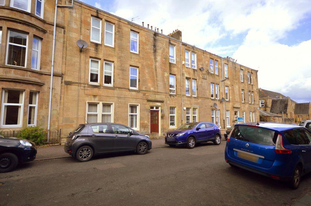 2 Bedrooms Flat for sale in 1/2, 42 Kerr Street, Kirkintilloch, Glasgow, G66 1JZ