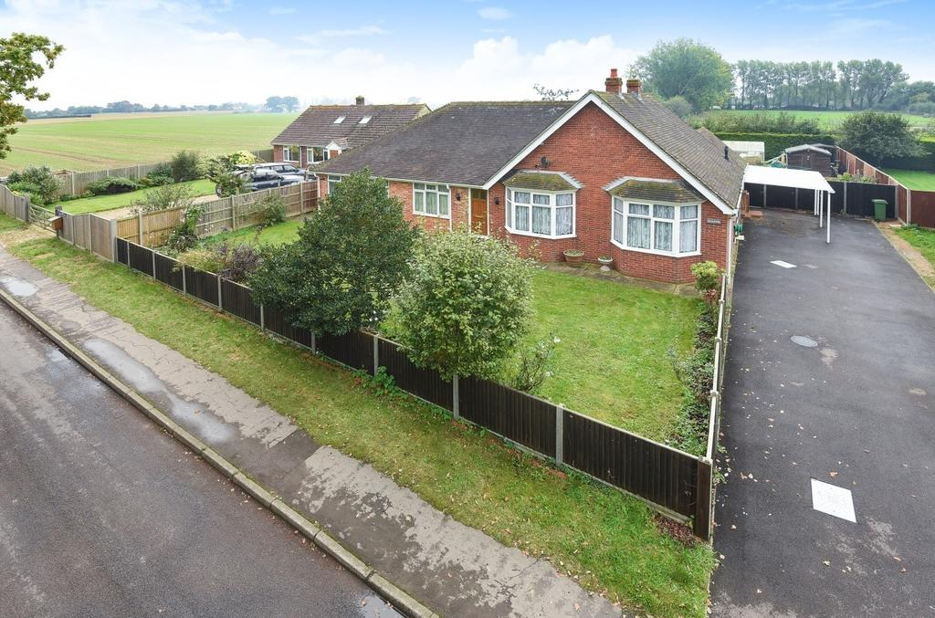 5 Bedrooms Detached Bungalow for sale in Chidham Lane, Chidham, PO18