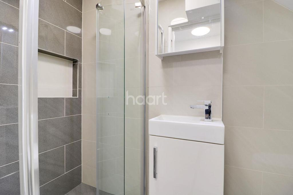 2 Bedrooms Maisonette Flat for sale in Byron Road, HA3