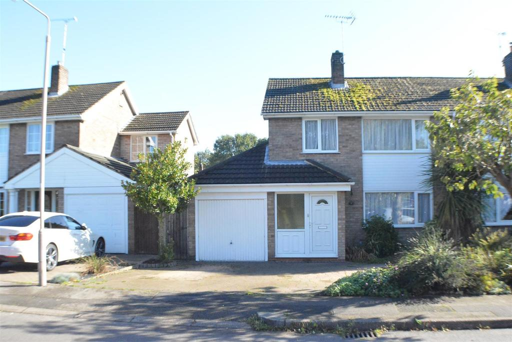 3 Bedrooms Semi Detached House for sale in Meden Glen, Church Warsop, Mansfield
