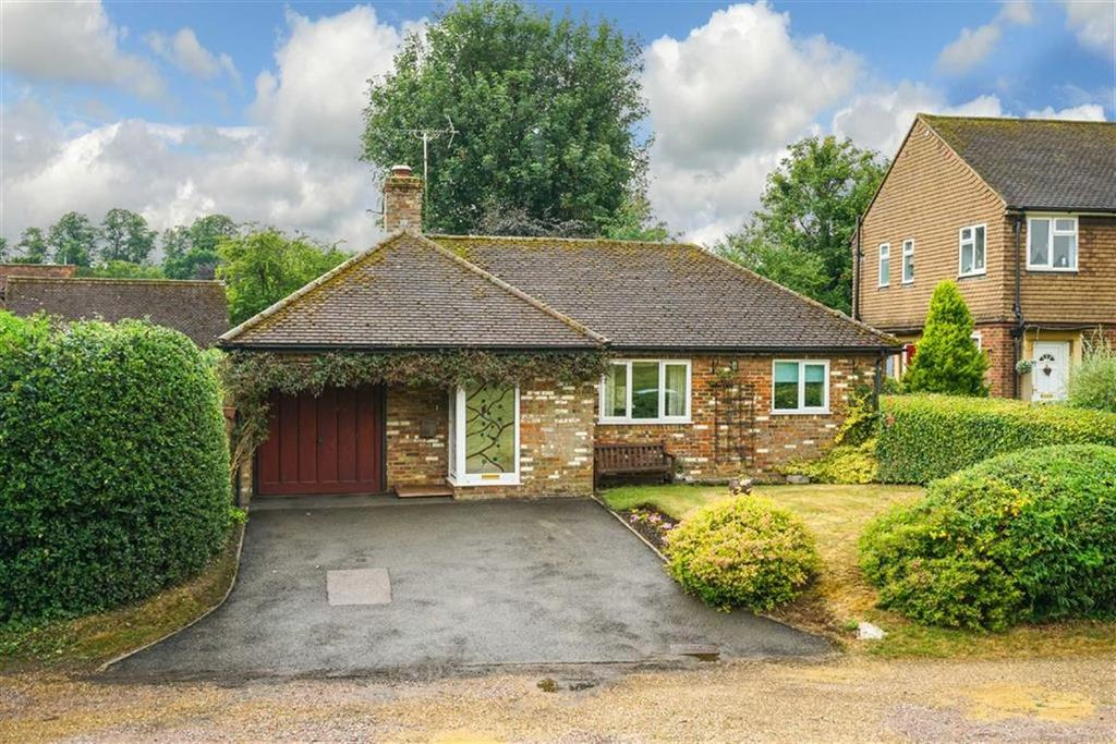 2 Bedrooms Detached Bungalow for sale in West Common, Redbourn, Hertfordshire