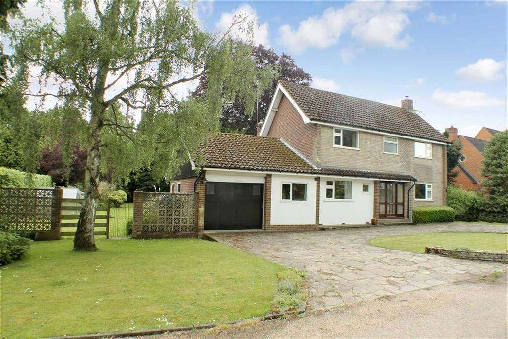4 Bedrooms Detached House for sale in Green Acres, Lilley