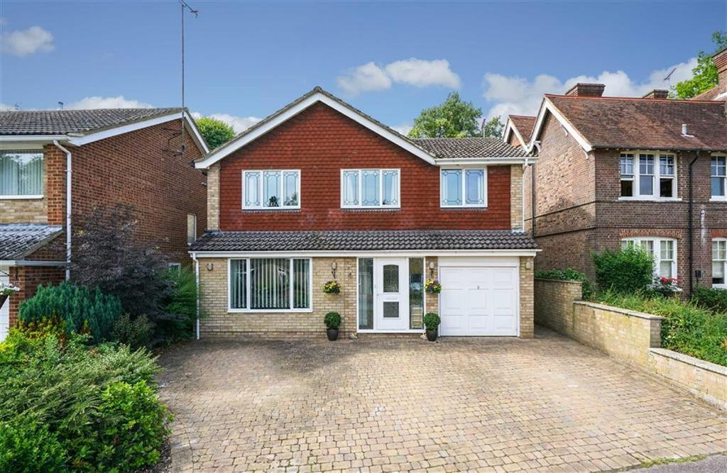 4 Bedrooms Detached House for sale in Saberton Close, Redbourn, Herts