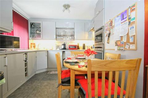 2 bedroom flat for sale - Elm Tree Court, Cottingham, East Riding of Yorkshire