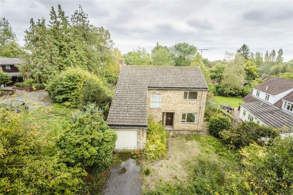 4 Bedrooms Detached House for sale in Maple Close, Bishop's Stortford, Hertfordshire