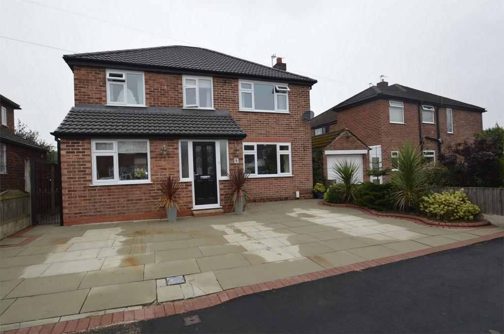 4 Bedrooms Detached House for sale in Hamlet Drive, SALE, Cheshire