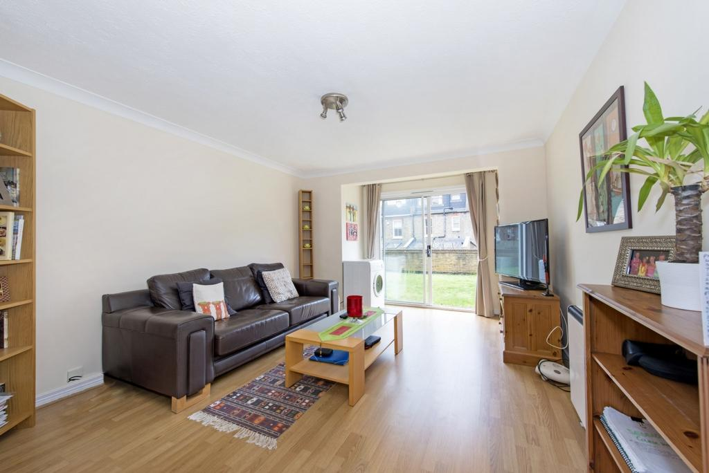 1 Bedroom Flat for sale in Times Court, Ravensbury Road, Southfields, SW18