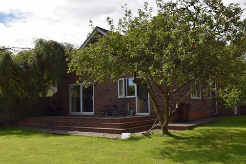 2 bedroom detached bungalow to rent - The Bungalow, Wythall