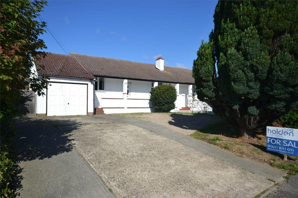 3 Bedrooms Semi Detached Bungalow for sale in Acacia Drive, Maldon, Essex