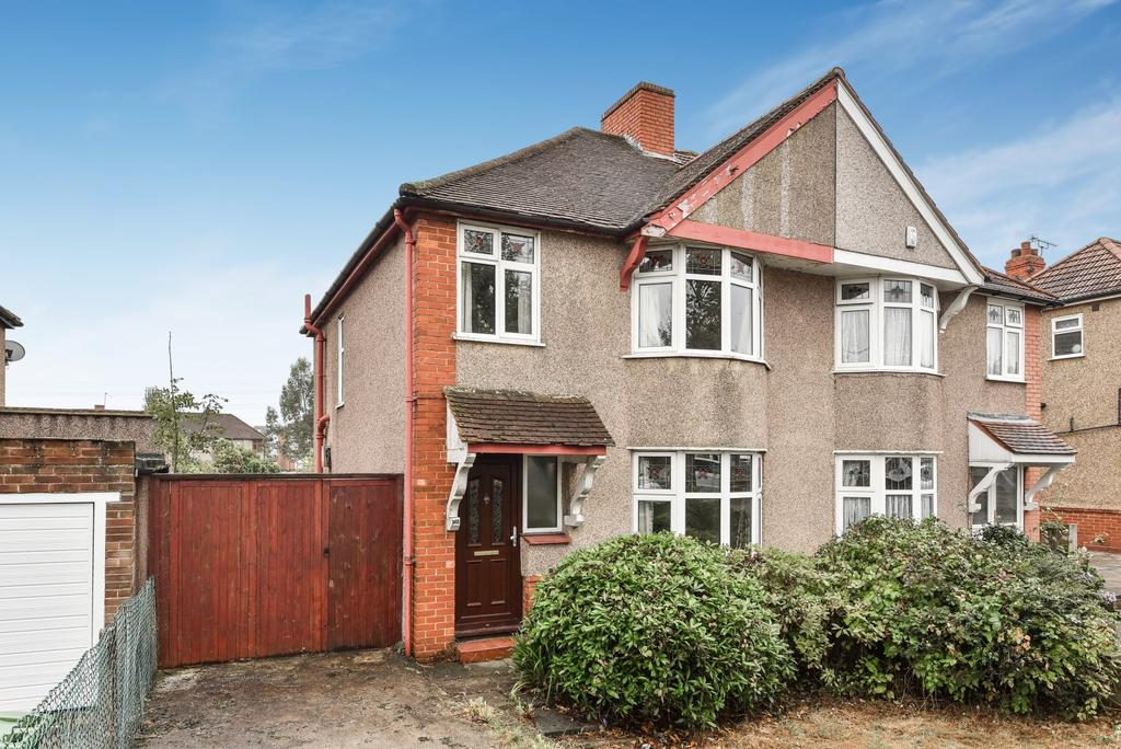 3 Bedrooms Semi Detached House for sale in Welling Way Welling DA16
