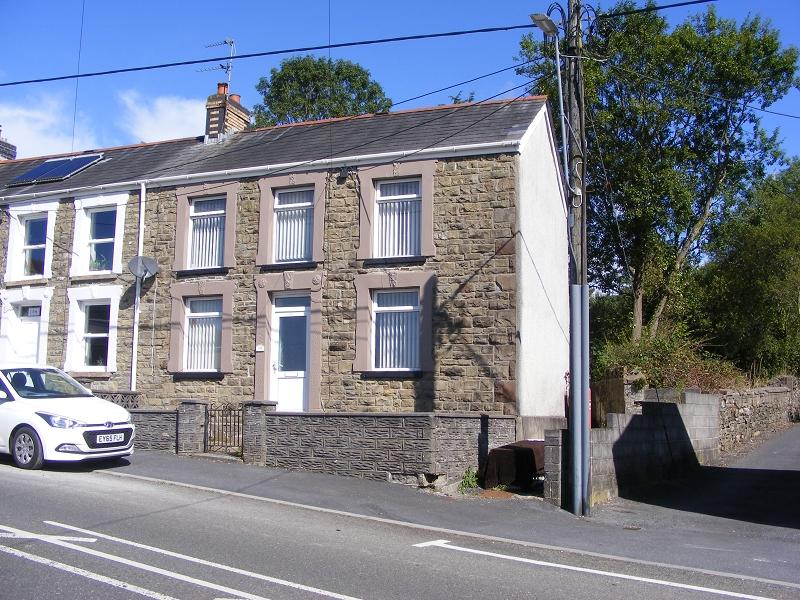 3 Bedrooms Semi Detached House for sale in Cwmgarw Road, Upper Brynamman, Ammanford, Carmarthenshire.