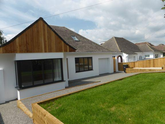 4 Bedrooms Chalet House for sale in Christchurch, Dorset