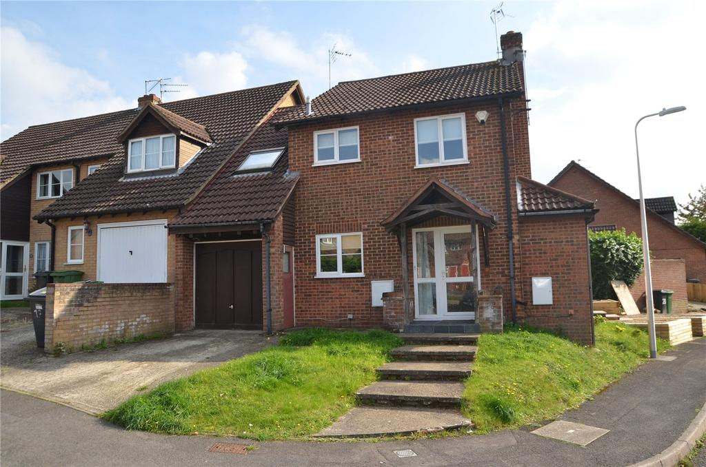 4 Bedrooms Semi Detached House for sale in Gatcombe Close, Calcot, Reading, Berkshire, RG31