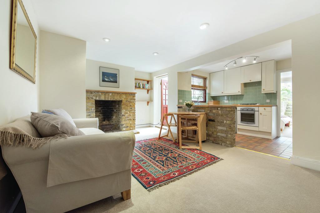 2 Bedrooms Flat for sale in North Street, SW4
