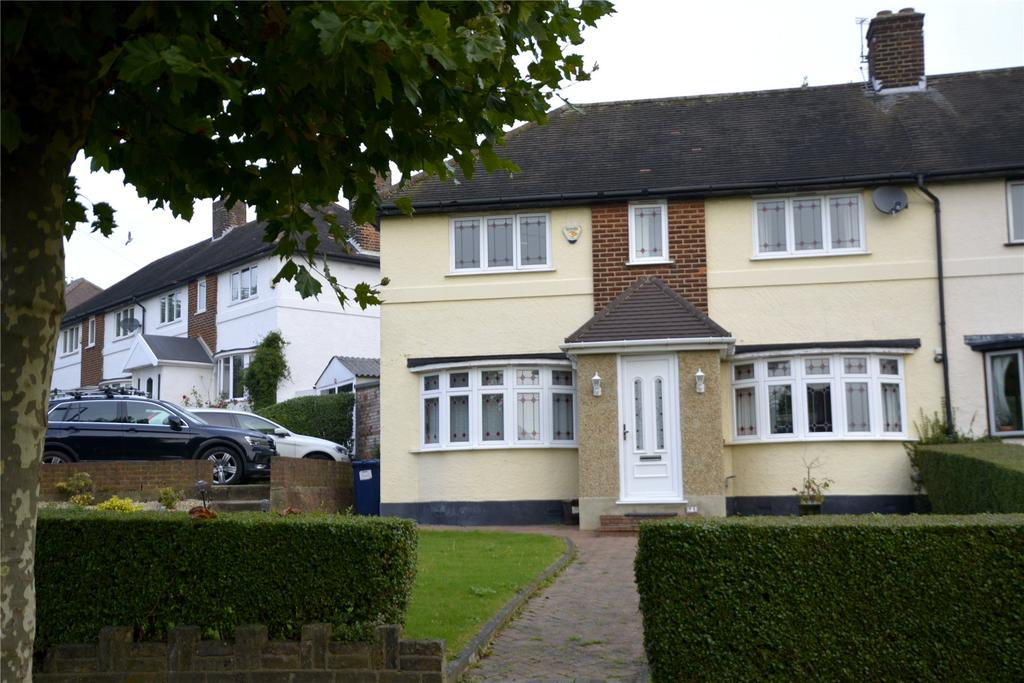 3 Bedrooms Semi Detached House for sale in Well Approach, Barnet, Herts, EN5