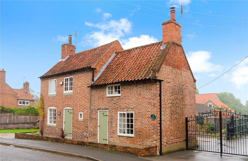 4 Bedrooms Detached House for sale in High Street, Swinderby, Lincoln, Lincolnshire, LN6
