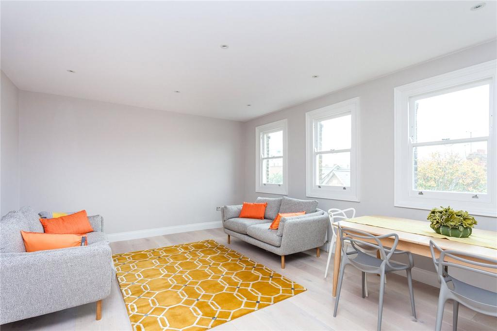 3 Bedrooms Flat for sale in Avenell Road, London, N5