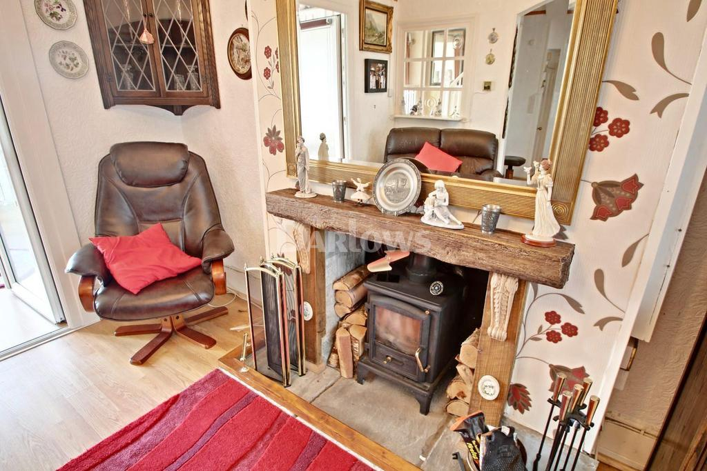 3 Bedrooms Terraced House for sale in Ty-Gwyn Road, The Common