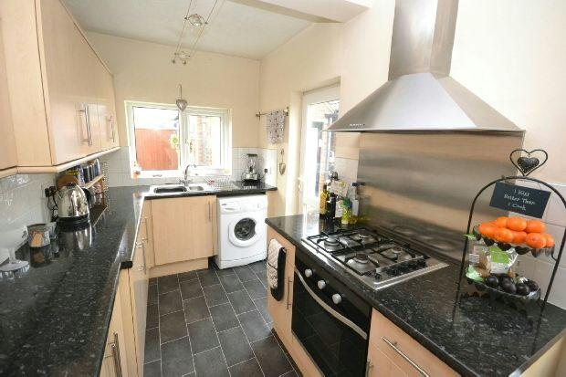 3 Bedrooms Semi Detached House for sale in Lime Tree Avenue, Grimsby