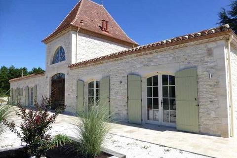 4 bedroom country house  - Near Tournon D'Agenais, Lot Et Garonne, France