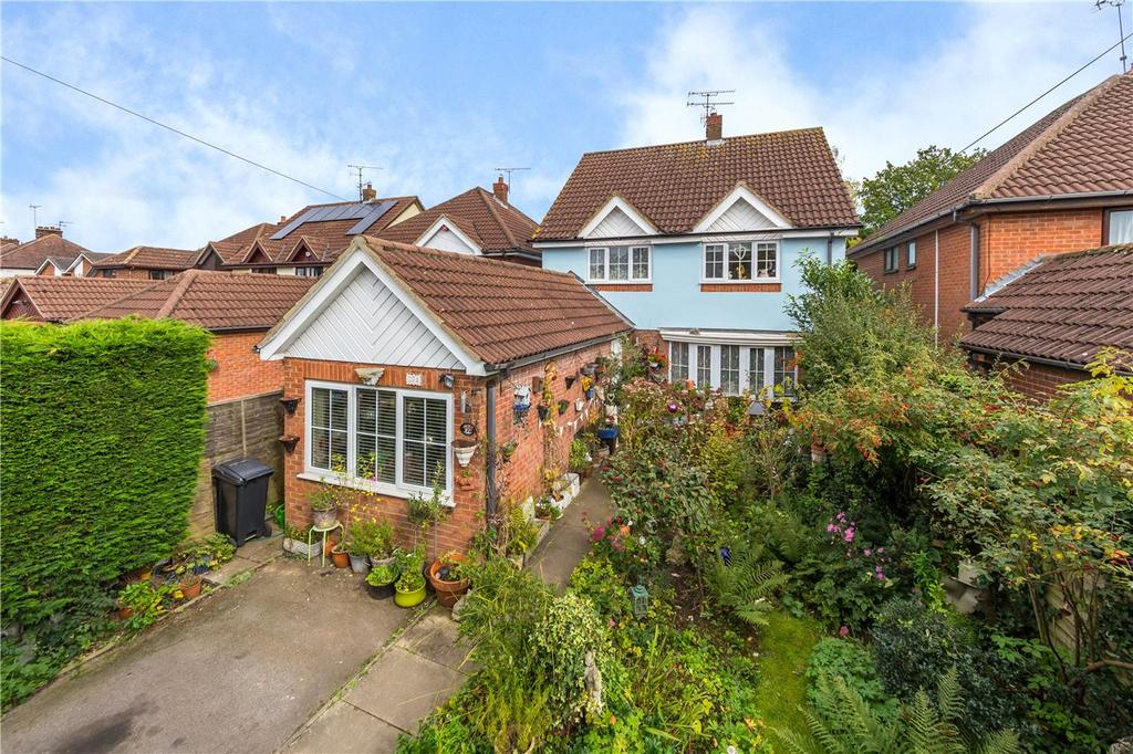 4 Bedrooms Detached House for sale in Bullens Green Lane, Colney Heath, St. Albans, Hertfordshire