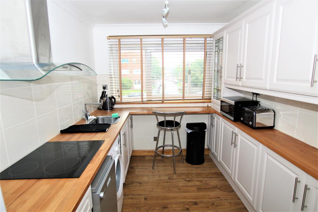 2 Bedrooms Apartment Flat for sale in Katherine's Court, Ampthill, Bedfordshire, MK45 2LT