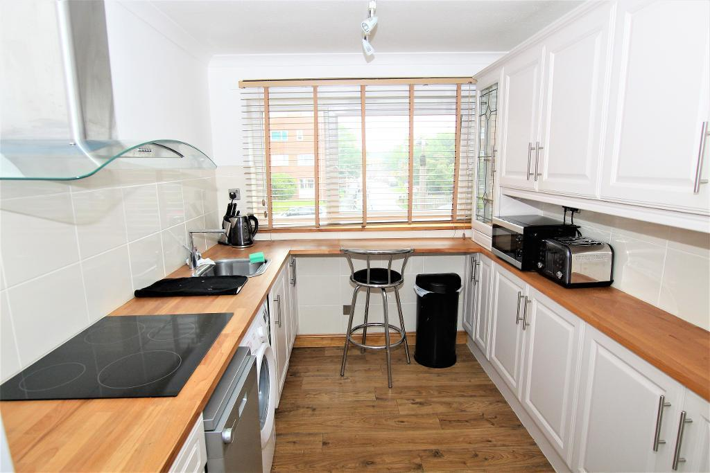 2 Bedrooms Apartment Flat for sale in Katherine's Court, Ampthill, Bedfordshire, MK45 2LT