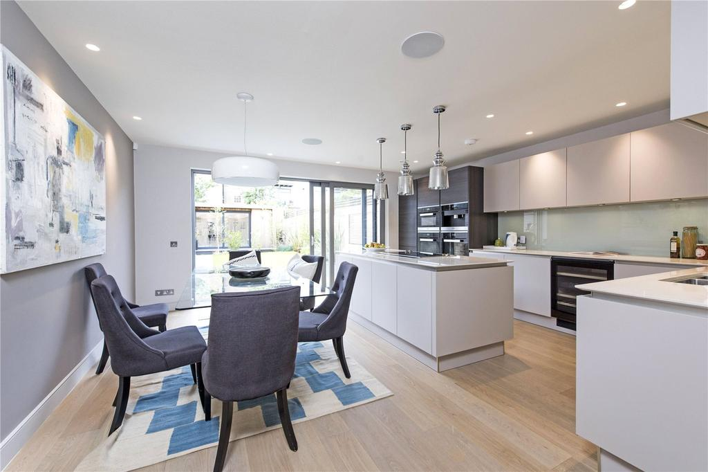 5 Bedrooms Terraced House for sale in Charles Baker Place, Wiston Road, London, SW17