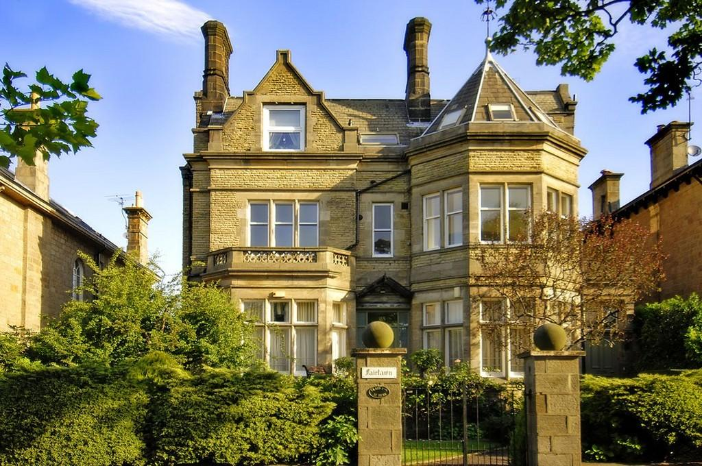 2 Bedrooms Apartment Flat for sale in Flat 1, 25 York Place, Harrogate