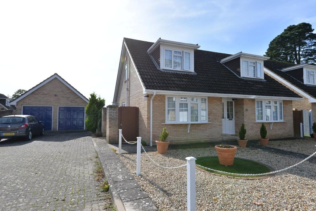 3 Bedrooms Chalet House for sale in New Milton, Hampshire