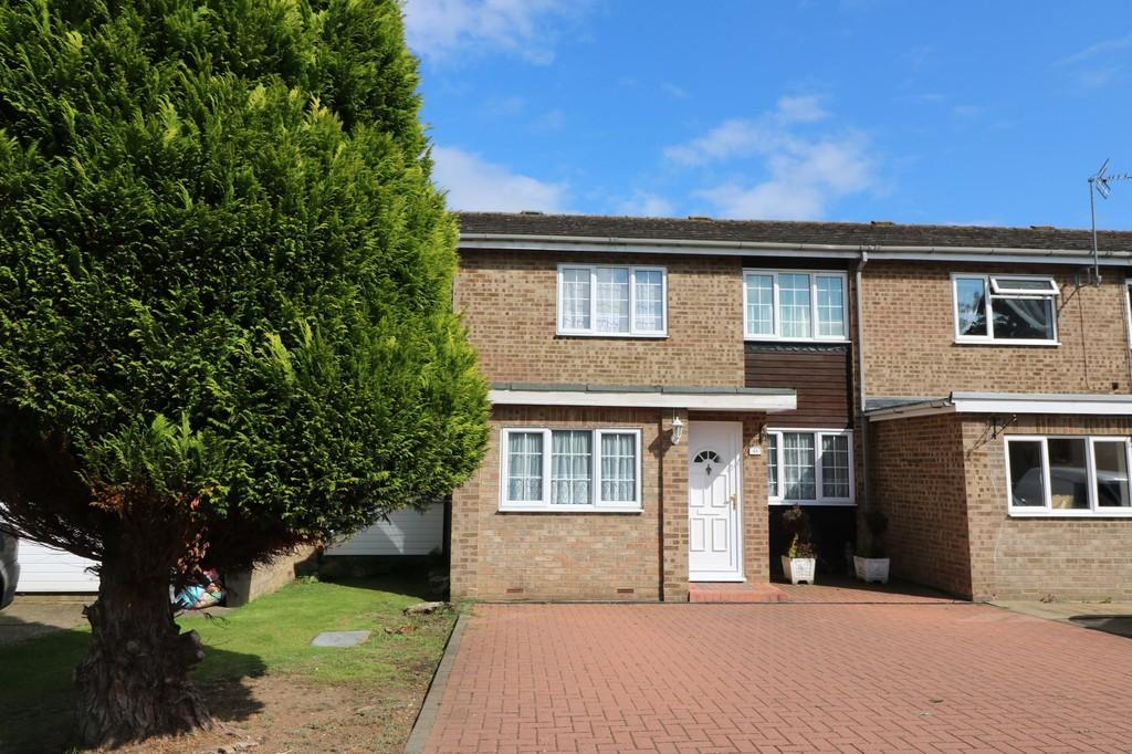 3 Bedrooms Terraced House for sale in Batchelors, Puckeridge