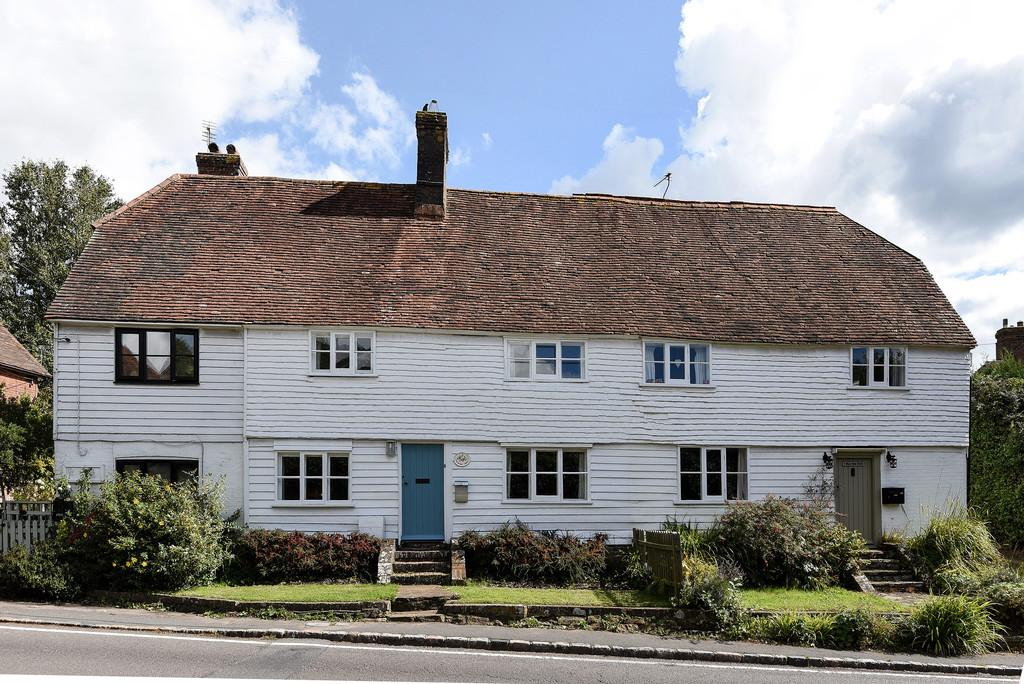 3 Bedrooms Terraced House for sale in Pear Tree Croft, Brede, Nr Rye, East Sussex TN31 6EJ