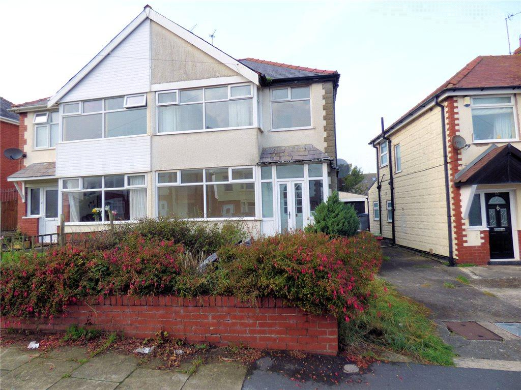 3 Bedrooms Semi Detached House for sale in Buckley Crescent, Norbreck, Thornton-Cleveleys