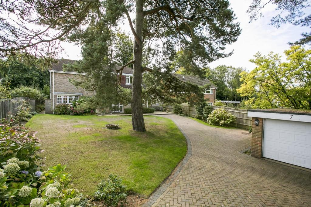 4 Bedrooms Detached House for sale in Sandown Grove, Tunbridge Wells