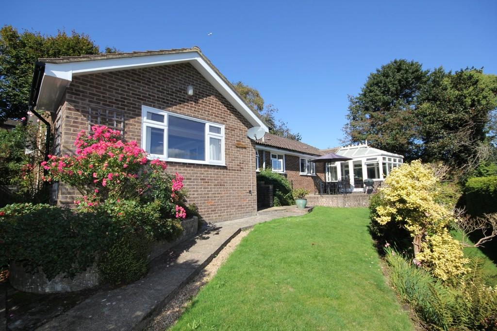 5 Bedrooms Detached Bungalow for sale in Hurtis Hill, Crowborough