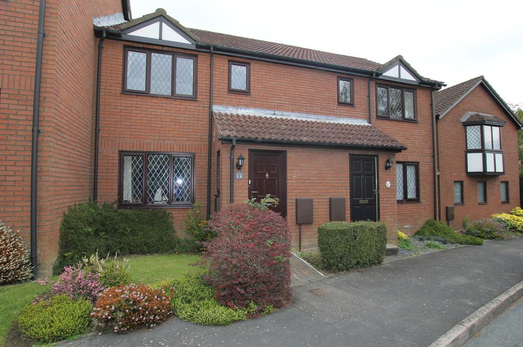 2 Bedrooms House for sale in Woodland Mews, Heathfield