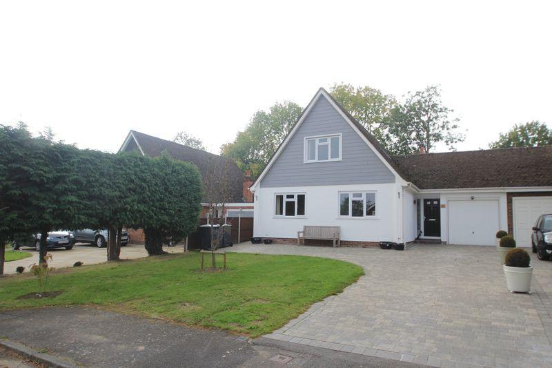 5 Bedrooms Link Detached House for sale in Vauxhall Gardens, Tonbridge