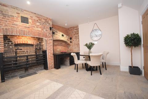 2 bedroom maisonette for sale - Maynetrees, Waterloo Lane, Chelmsford, CM1 1NE