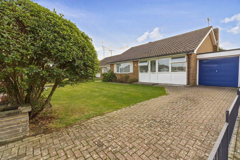 2 Bedrooms Bungalow for sale in Derwent Drive, Goring-by-Sea