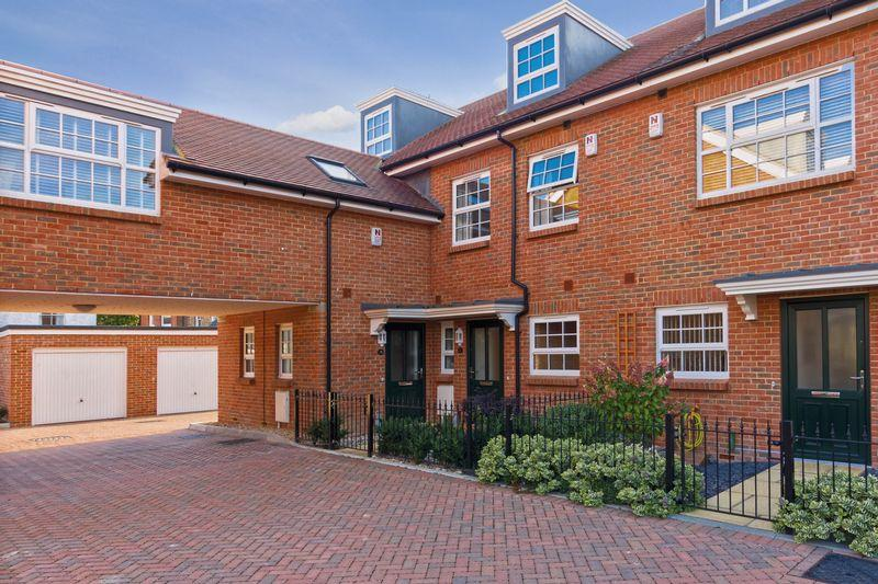 3 Bedrooms Terraced House for sale in Kings Mews, Worthing
