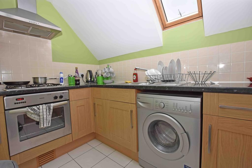 2 Bedrooms Flat for sale in Pavilion Road, Worthing