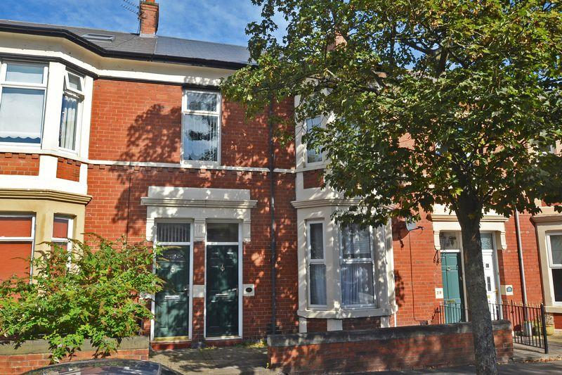 3 Bedrooms Apartment Flat for sale in Queen Alexandra Road, North Shields