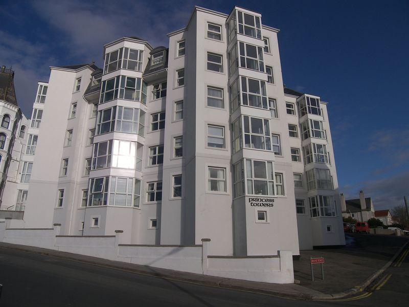 2 Bedrooms Apartment Flat for sale in 1D Princess Towers, The Promenade, Port Erin