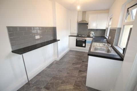 3 bedroom terraced house to rent - Enid Street, Liverpool, L8 8HN