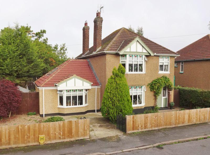 3 Bedrooms Detached House for sale in Stockwood Drive, Corby