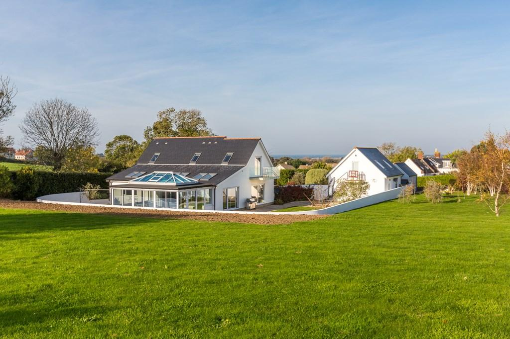 5 Bedrooms Detached House for sale in Rue De La Cache, St. Andrew, Guernsey