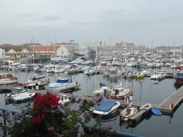 2 Bedrooms Flat for sale in KEEL HOUSE, MARINA, HARTLEPOOL