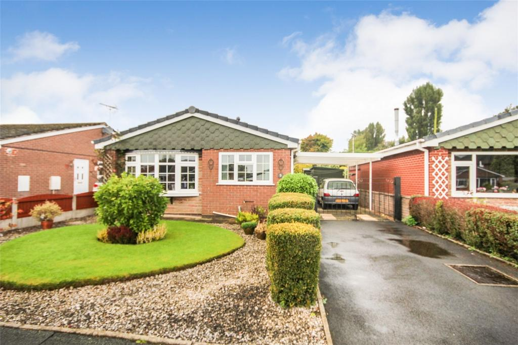 3 Bedrooms Detached Bungalow for sale in Copeland Close, Cheadle, Staffordshire