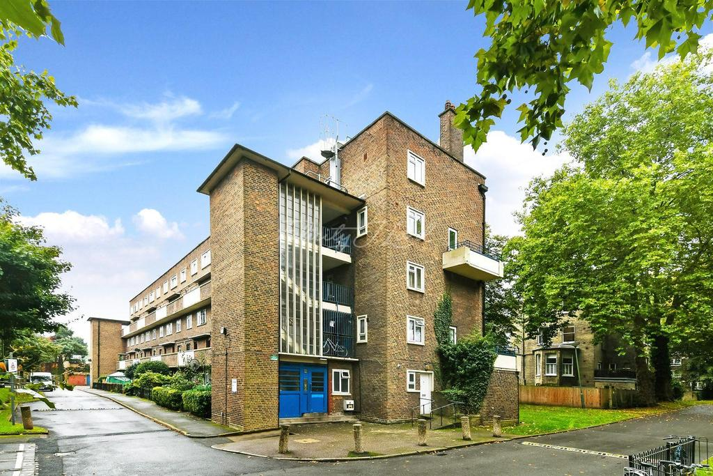 2 Bedrooms Flat for sale in Park View, Collins Road, N5